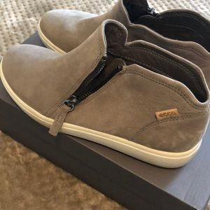 Ecco warm grey shoes